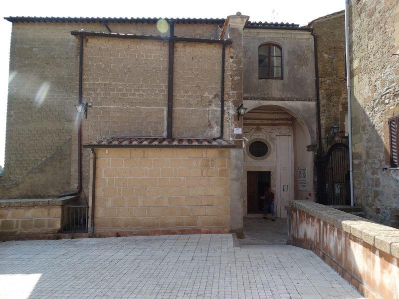 Eingang zur Synagoge