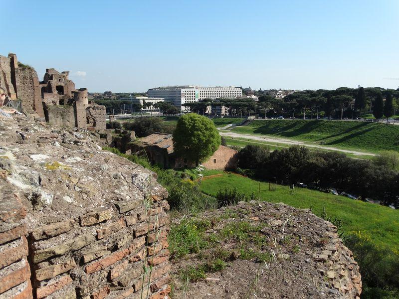 unterhalb: Circus Maximus
