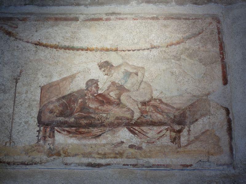 Positionen des Liebesspiels schmückten die Wände