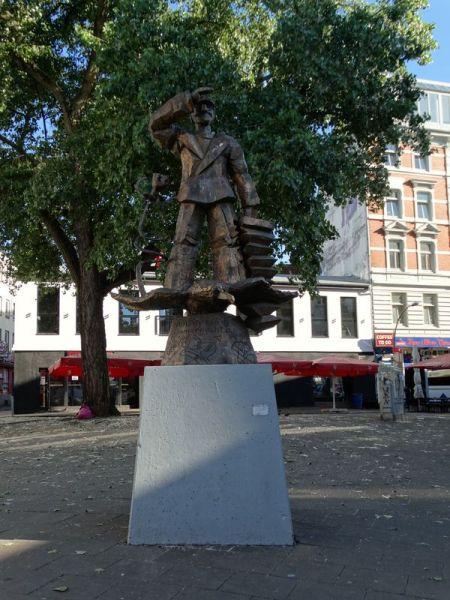 """Denkmal für den """"blonden Hans"""""""