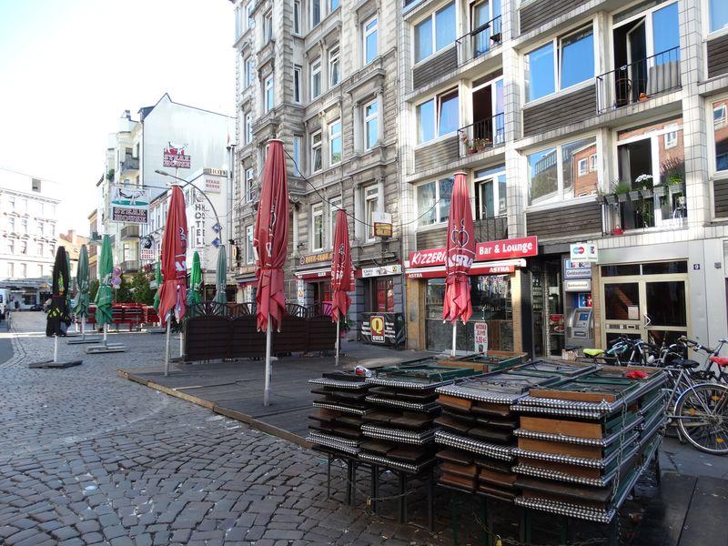 "Am Hans-Albers-Platz ist noch ""tote Hose""."