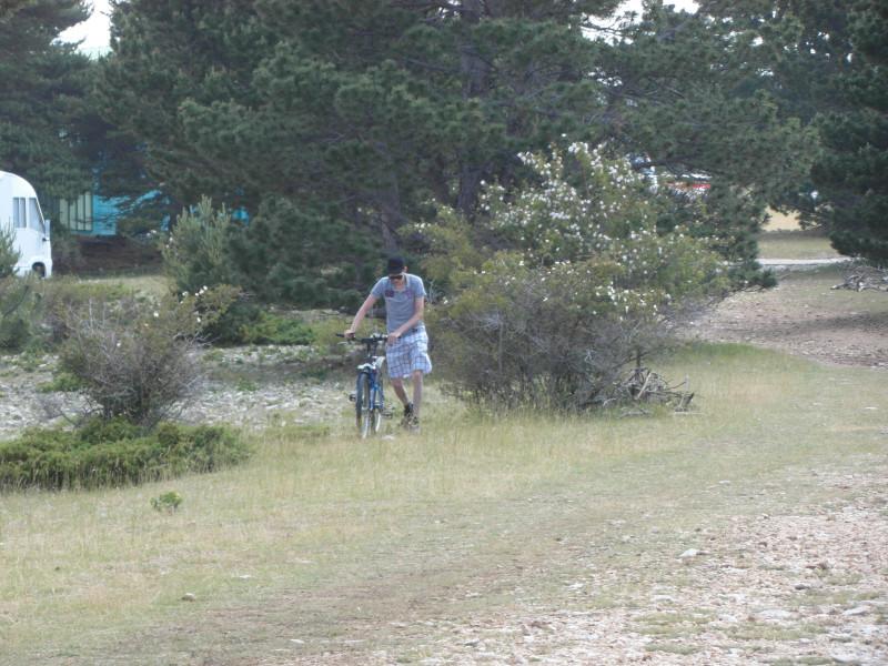 Christian probiert eine kurze Abfahrt und einen Aufstieg von ca. 1 km. Er ist bedient!