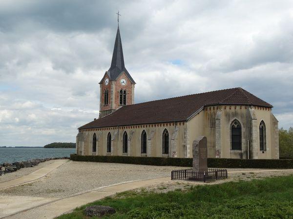Église de Champaubert als Überbleibsel des überfluteten Dorfes