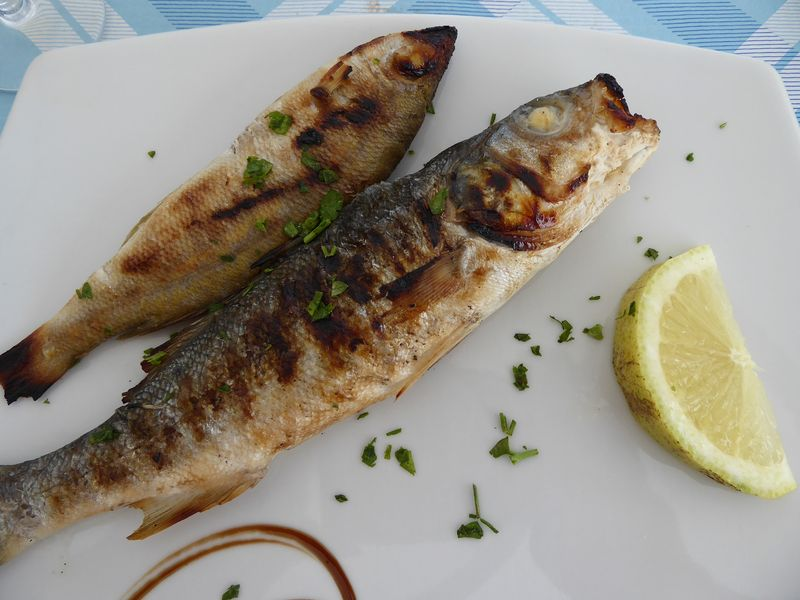 Secondo: gegrillete Fische